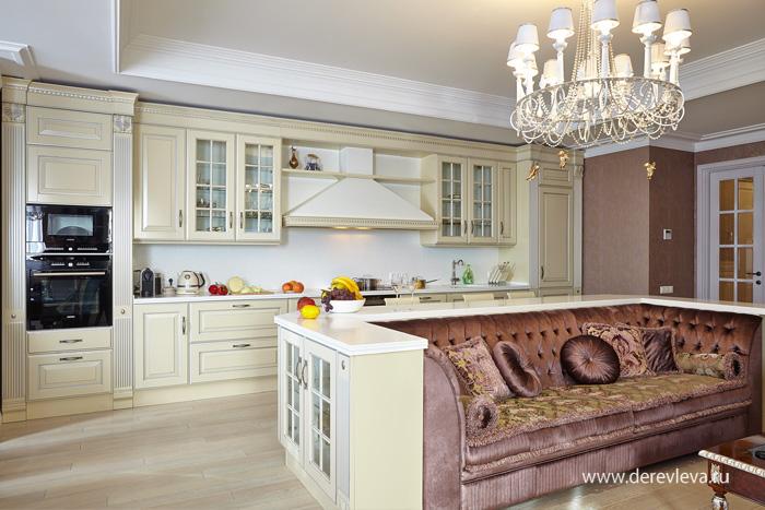 Дизайн кухни совмещенной с гостиной с эркером
